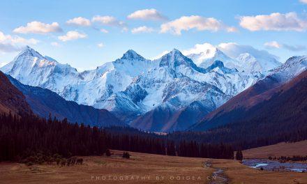夏塔 木扎尔特雪山